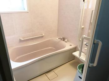 最初は予算ばかりが気になりましたが、思い切ってやってよかったです。毎日のお風呂が楽しみです。